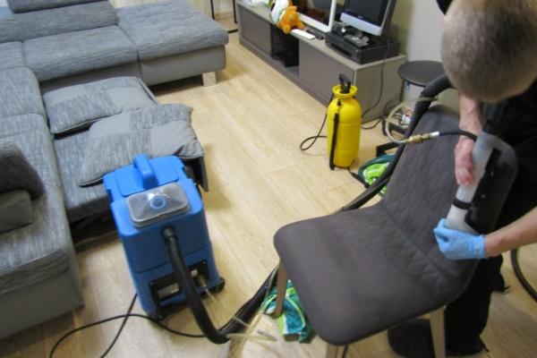 Krēslu tīrīšana